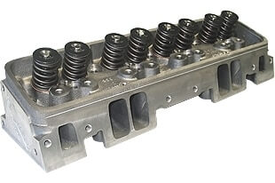 "World Products 014250-2 - Cylinder Heads Cast Iron Chevy Small Block MOTOWN 220cc 64cc 23Degree 2.080"" x 1.600"" Straight Plug, Assembly w/ 1.437"" springs for solid flat tappet or Hyd.roller lifters"